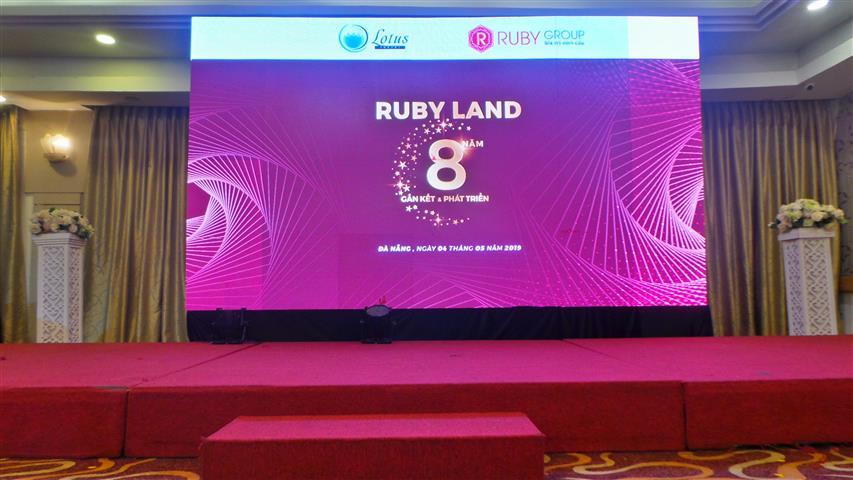 Kĩ Niệm 8 năm thành lập công ty ruby_land tại sảnh diamond